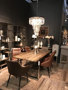 Dining Room Decor Strategies That Can Help You Find Your Own Style