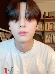 Nu Est Minhyun, Long Hair Styles, Twitter, Long Hairstyle, Long Haircuts, Long Hair Cuts, Long Hairstyles, Long Hair Dos
