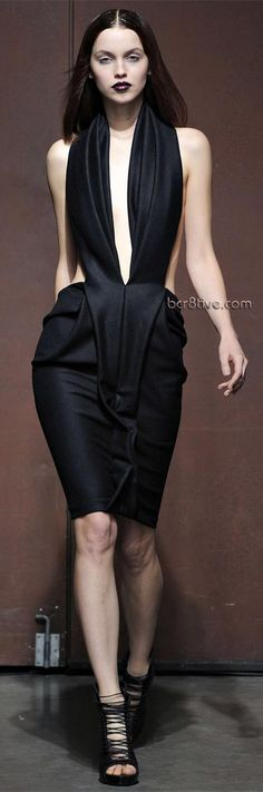 Yiqing Yin – Spring Summer 2012 Paris Fashion Week