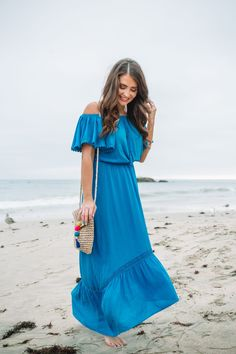 Visit here to see the best summer vacation outfits on Maxie Elise Blog! Best vacation outfits dresses casual and vacation outfits dresses street styles. These are cute vacation outfits dresses maxi skirts which are vacation outfits dresses chic. Read about vacation essentials list the beach. You will love seeing the best summer vacation essentials fashion. Get inspired to buy Summer outfits for women in their 30s or even classy chic looks. #summer #ad #outfits Summer Fashion For Teens, Fashion For Women Over 40, Summer Fashion Trends, Summer Fashion Outfits, Fashion Essentials, Fashion Basics, Next Clothes, Clothes For Women, Cute Vacation Outfits