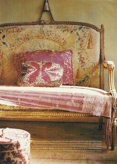 settee in pink and yellow