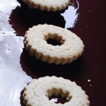 Házilag is elkészítheti ezt a finomságot, amely évtizedek óta a gyerekek kedvence Sweets Cake, Doughnut, Cheesecake, Muffin, Cookies, Breakfast, Food, Crack Crackers, Morning Coffee
