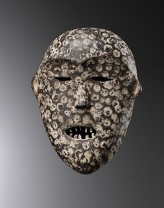Bernard de Grunne Fine Tribal Arts Mask, Ituri Wood, 29 cm high, Democratic Republic of Congo. Provenance: Collection Charles Ratton, Paris, before 1970.