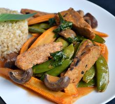 Thai Tempeh & Vegetable Red Curry