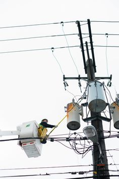 Safety is our number 1 priority. Especially when it comes to damaged power lines. Never climb a utility pole or make contact with a power line.  Call us at 1-800-Edison-1 if there is an issue with a power line and we will assist you. #WeAreComEd