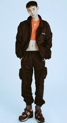 Crop Tops are for Guys Human Poses Reference, Pose Reference Photo, Moda Cyberpunk, Estilo Harajuku, Figure Poses, Art Poses, Body Poses, Oui Oui, Character Outfits