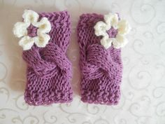 Baby girl leg wamers with flowers. Available in the following sizes:  0 - 3 months 3 - 6 months  6 - 12 months  12 - 24 months  Please specify the