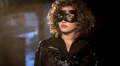 The first official look at Lili Simmons as Selina Kyle/Catwoman in the upcoming finale of Gotham has been revealed. Camren Renee Bicondova, Carmen Bicondova, Selina Kyle Gotham, Bruce And Selina, Smallville, Gotham Season 4, Superman, Batman, Alexander Kent