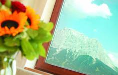 Aussicht auf die Bergwelt #klockerhof #familiekoch #dashotelfürentdecker #zugspitzarena #tirol #sommer #wandern #biken Mountain Landscape, Hiking, Summer
