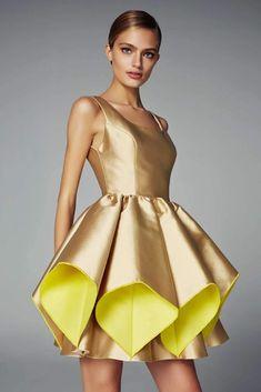 haute couture fashion Archives - Best Fashion Tips Couture Mode, Couture Fashion, Dress Sewing Patterns, Clothing Patterns, Pattern Sewing, African Fashion Dresses, Fashion Outfits, Casual Dresses, Girls Dresses