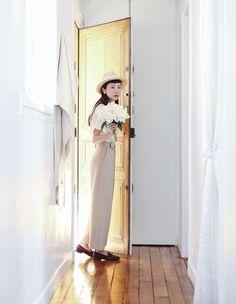 Fashion Through The Eyes of Amilus Chou – Une Fille aux Cheveux Noirs