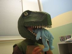 Homemade T-rex costume ! Purim Costumes, Cute Costumes, Family Costumes, Costume Ideas, Halloween Costumes, Carnival Costumes, T Rex Costume, Dinosaur Costume, Evie Costume