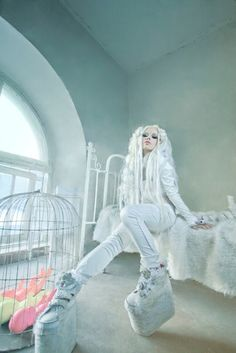 Love this look!  It's like a cross between the ice-Queen & alternative cyber style. Awesome! :)