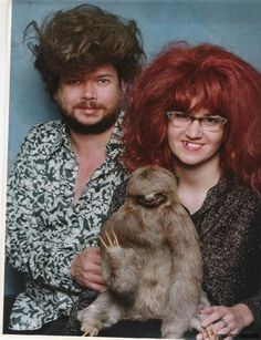 The 49 Most WTF Pictures Of People Posing With Animals SO funny ! This sloth picture is Roets Photoshop Fails, Haha Funny, Hilarious, Funny Stuff, Funny Humor, Funny People Pictures, Funny Pics, Weird Pictures, Awkward Pictures