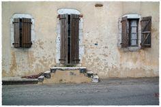 … à l'entrée du village de Tilh, dans les Landes... - jarri mimram