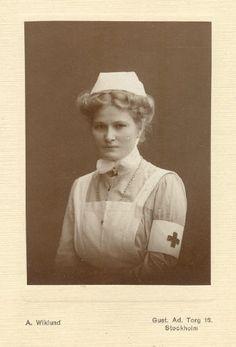 Unknown nurse, Stockholm, Sweden, around Picnic At Hanging Rock, Psychiatric Nursing, Nurse Hat, Vintage Nurse, Nursing Care, Nursing Clothes, I Want To Know, Crazy People, Nurse Humor