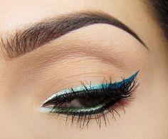 nude+blue cat eye = Beautiful Make up Idea