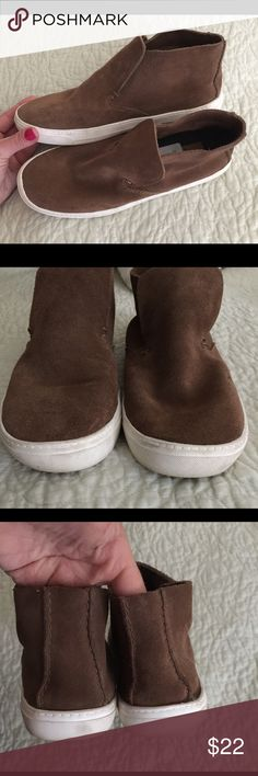 DOLCE VITA SUEDE SLIP ON SNEAKER FLATS! SUPER CUTE DOCE VITA BROWN SUEDE SLIP ON SNEAKER FLATS, RUBBER SOLES AND SUPPER CUTE WITH DIFFERENT LOOKS! EXCELLENT CONDITION.. ONLY WORN A COUPLE TIMES!! PRICE TAGS STILL IN BOTH SHOES! Dolce Vita Shoes Sneakers