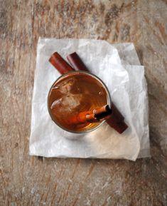 cinnamon water, water infused with cinnamon, agua de canela,