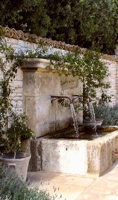 69 Modern Mediterranean Backyard Makeover On A Budget - Garten İdeen Landscape Design, Garden Design, House Landscape, Water Walls, Water Features In The Garden, Outdoor Water Features, Mediterranean Garden, Backyard Makeover, Garden Cottage