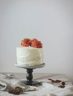 Nutella Layer Cake – and Happy Birthday to me! Nutella Birthday Cake, Birthday Cakes, Happy Birthday, Crema Fresca, Good Bakery, Types Of Cheese, Vanilla Essence, Cake With Cream Cheese, Sweet Potato Recipes