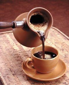 Buongiorno! La settimana è ancora lunga, consoliamoci con tanto caffè!