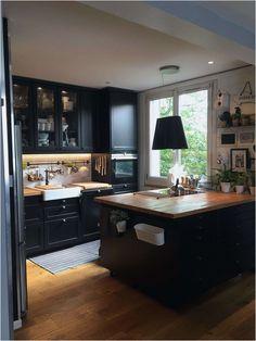 Nouveau Ikea Placard Sur Mesure – Keep up with the times. New Kitchen Cabinets, Kitchen Paint, Kitchen Decor, Industrial Kitchen Design, Interior Design Kitchen, Luxury Kitchens, Home Kitchens, Black Kitchens, Black Ikea Kitchen