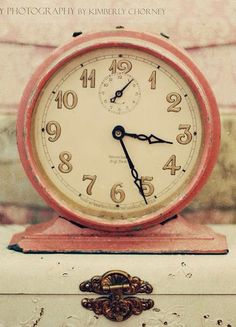 Vintage Clock - LuxurydotCom