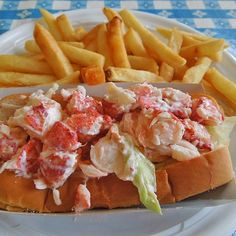Lobster Trivia: From mid-April to mid-October, Maine's most famous lobster shack, Red's Eats, served 10+ TONS of lobster meat.