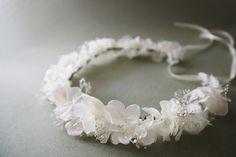 Couronne Lily vraies fleurs stabilisées blanches : Accessoires coiffure par asami-fleur