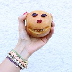 Me parece más tierno que del terror mi snack de halloween!!!  Feliz sábado✌  #halloween #snack #saludable #healthy