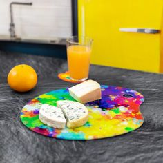 Voici la version XXL de notre planche à découper Chef d'œuvre ! Pour les familles nombreuses, les fans de fromages, et les découpeurs de légumes grands formats ! Elle pourra également se convertir en plateau apéritif/tapas, de dessous de plat, ou de plat de présentation pour les gâteaux ou les tartes. Pour être un artiste complet, offrez-lui son couteau pinceau ! Grand Chef, Tapas, Chef D Oeuvre, Les Oeuvres, Voici, Instagram Posts, Products, Big Family, Quirky Cooking
