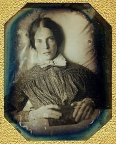 """The Glass Character: """"I see dead people"""": Victorian post-mortem photography"""