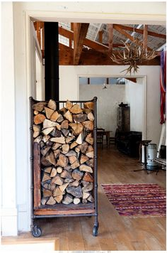 New wood storage ideas firewood rack plumbing pipe 56 Ideas Indoor Firewood Rack, Firewood Holder, Firewood Stand, Into The Woods, Wood Storage Rack, Box Storage, Wood Cart, Storage Design, Storage Ideas