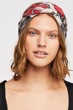 Soft Polyester Silk Head Wrap Scarf Fashion Print Happiness Dog Taking A Bath Scarf Hair Scrunchie Scarves Head Scarf Square Multiple Ways Of Wearing Daily Decor