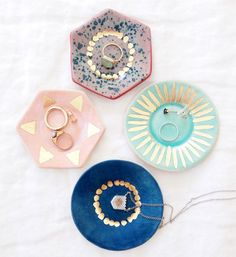 Ring dishes with golden details by www.etsy.com/shop/theobjectenthusiast Image by designlovefest.com #Jewelry #ceramic #decoration
