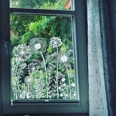 Botanical flowers window drawing DIY Print for your window Mandala Art, Decoration Vitrine, Window Art, Chalk Art, Art Pictures, Art For Kids, Illustration, Art Drawings, Windows