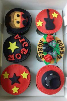 Cupcakes Guns and Roses. Maricarmen's cakes online Store. 991526566.