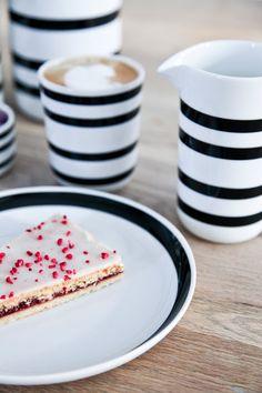 tisch skandinavisch Kahler Omaggio Milk Mug Foodie Quotes, Dining Ware, Kitchenware, Tableware, Cooking Gadgets, Serveware, Kitchen Tools, Hygge, Coffee Mugs
