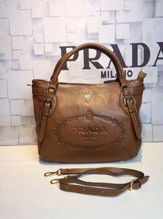 260b52913 36 melhores imagens de Bolsas de Grifes Prada em 2019 | Bags ...