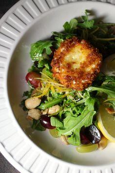 Chèvre Chaud with Grape Arugula Salad, Limoncello Dressing