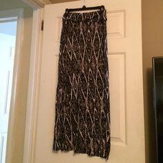 Maxi skirt Tilly's black & white maxi skirt Tilly's Skirts Maxi