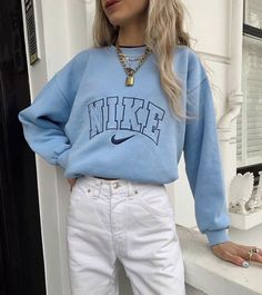 Outfit Idea – Streetwear – Nike Sweat – Outfit - Beauty's World Hipster Outfits, Cute Casual Outfits, Mode Outfits, Retro Outfits, Summer Outfits, Grunge Outfits, Summer Clothes, Casual Chic, 90s Grunge