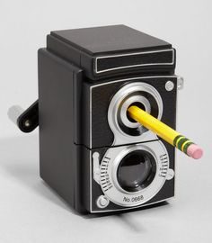 """Vintage Camera Pencil Sharpener - your desk will never look so """"vintage"""". :) The 20 Cutest School Supplies for Back-to-School Retro Office, Vintage Office, Back To School Supplies, Quirky Gifts, Unique Gifts, Pencil Sharpener, Foto Art, Vintage Cameras, Office Accessories"""