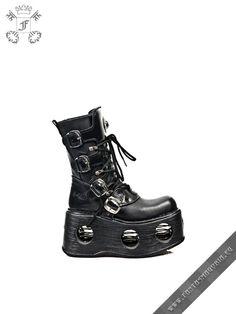 Spiral platform boots