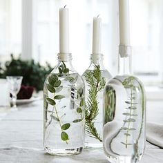 40 simple but beautiful wedding centerpiece ideas with wine fla .- 40 einfache aber schöne Hochzeit Herzstück Ideen mit Weinflaschen 40 simple but beautiful wedding centerpiece ideas with wine bottles, # Centerpiece - Cheap Home Decor, Diy Home Decor, Home Decoration, Green Candle Holders, Diy Candlestick Holders, Diy Candle Holders Wedding, Long Candle Holder, Candlestick Centerpiece, Candelabra