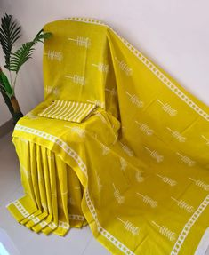 Saree Styles, Blouse Styles, Fabric Photography, Cotton Sarees Online, Blouse Designs Silk, Casual Saree, Printed Sarees, Party Wear Sarees, Printed Cotton