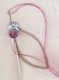 Manualidades y Artesanías   Cartera de fiesta   Utilisima.com Bead Embroidery Tutorial, Bead Embroidery Patterns, Bead Embroidery Jewelry, Beading Patterns, Beaded Jewelry, Embroidery Designs, Tambour Beading, Tambour Embroidery, Silk Ribbon Embroidery