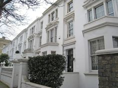 London Vicarage Gardens 1 Bedroom Apartment I United Kingdom, Europe Vicarage Gardens 1 Bedroom Apartment I is perfectly located for both business and leisure guests in London. Featuring a complete list of amenities, guests will find their stay at the property a comfortable one. Free Wi-Fi in all rooms are on the list of things guests can enjoy. Designed for comfort, selected guestrooms offer internet access – wireless (complimentary), heating, television, DVD/CD player, kitch...