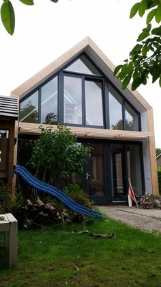 Interior Design Living Room, Living Room Designs, Dormer Loft Conversion, Mansard Roof, Attic Design, Attic Remodel, Attic Rooms, Flat Roof, House Roof